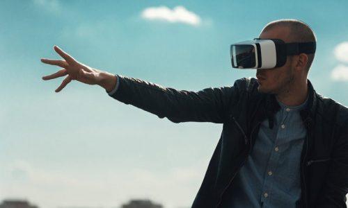 Ambienti digitali che proiettano gli stand fieristici nel futuro